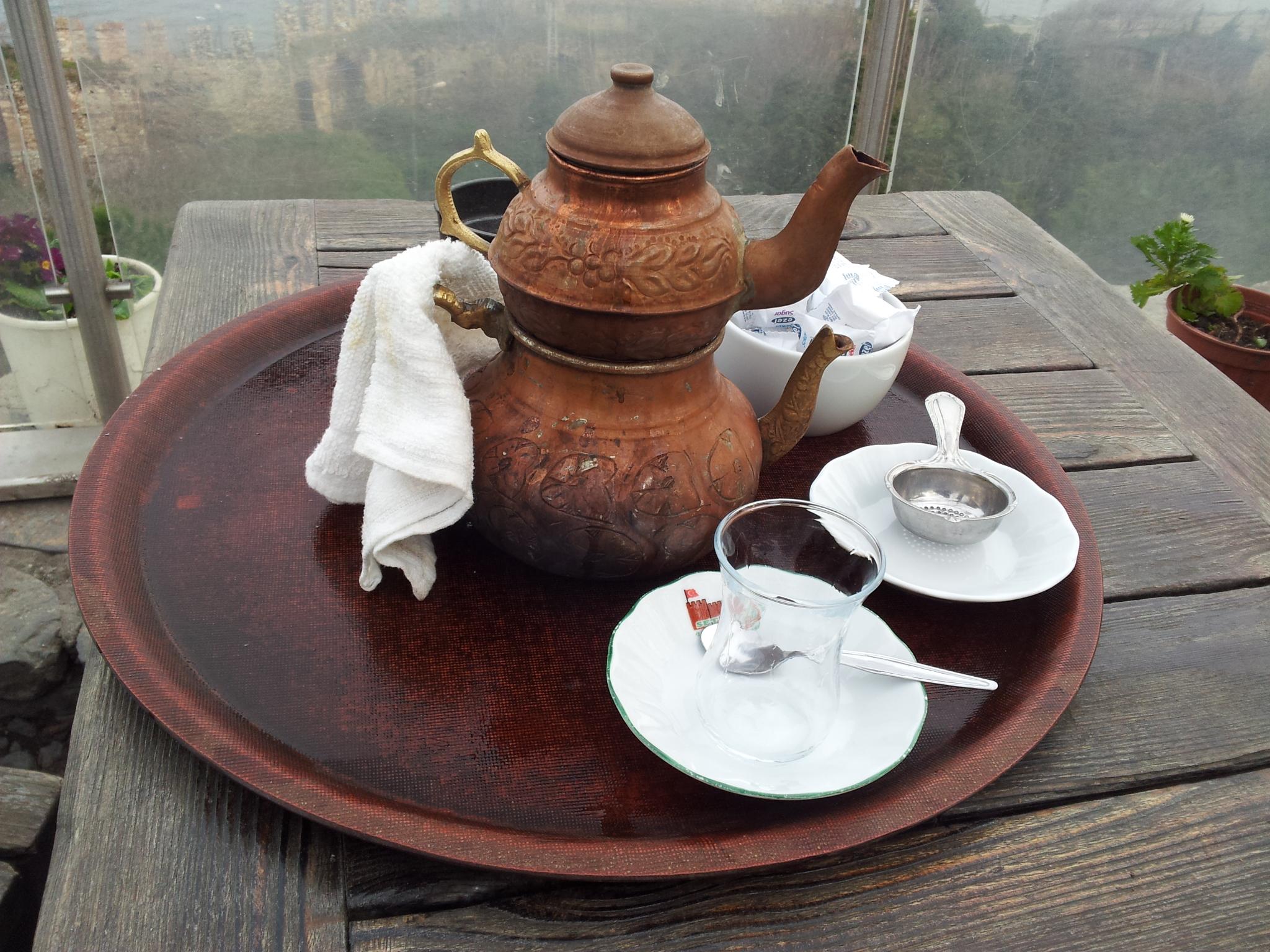 Demlikteki Çayı Atmayın