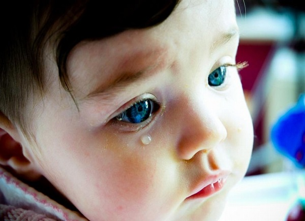 bebek ağlarken